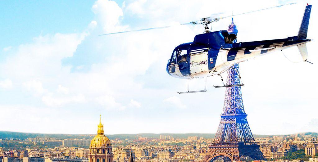 Prenez de la hauteur en optant pour un survol en hélicoptère de la capitale...