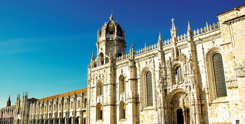 Vous serez séduit par le style architectural opulent de certains monuments...