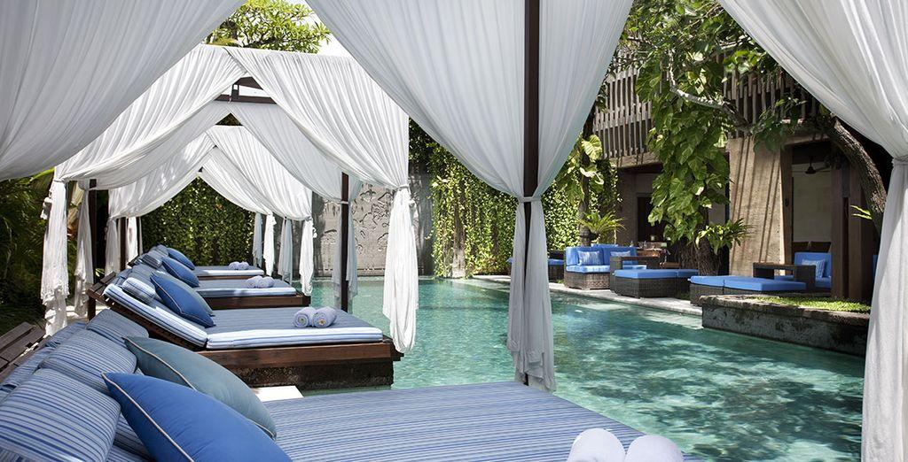 Réservez-vous des pauses farniente près de la piscine