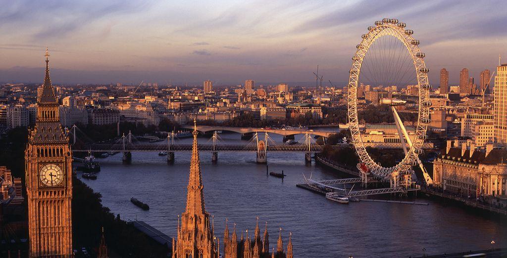Puis admirez un coucher de soleil depuis la grande roue du London Eye