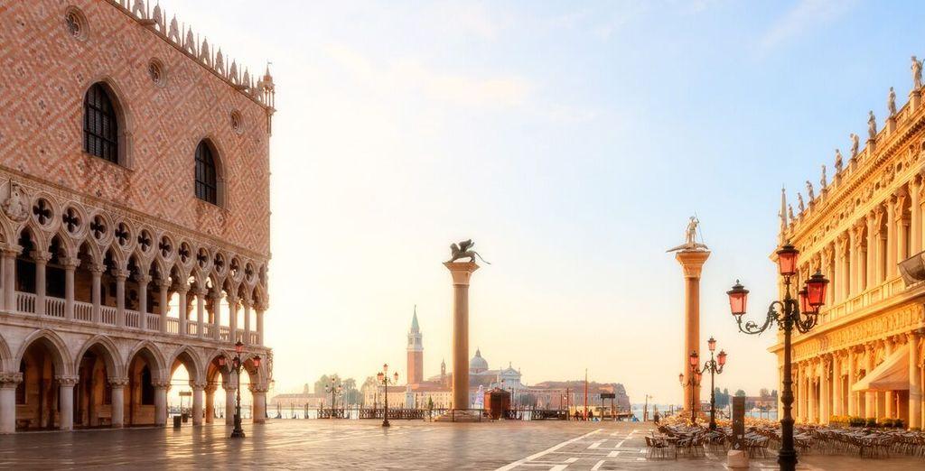 À proximité de la place Saint-Marc... Suivez-nous à l'hôtel Palazzo Selvadego