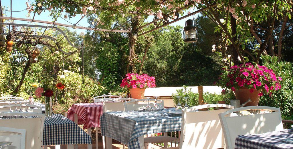 Un écrin de verdure, paisible et cosy, sous le soleil de la Côte d'Azur