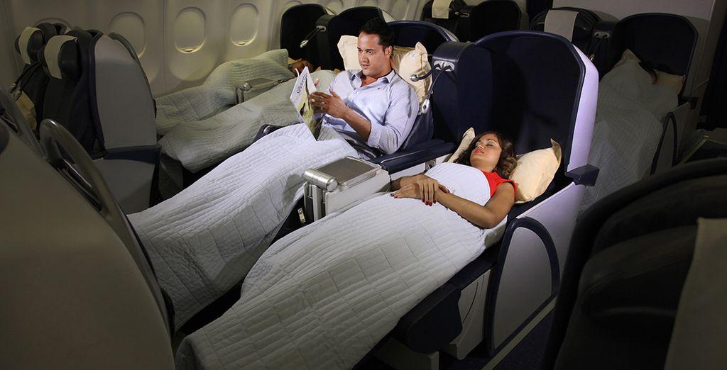 .. avant de vous reposer dans votre siège-lit avec fonction massage