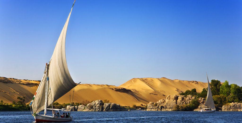 Et ferez une balade en felouque sur les eaux de ce fleuve mythique. Et pourquoi pas aller jusqu'au Caire.