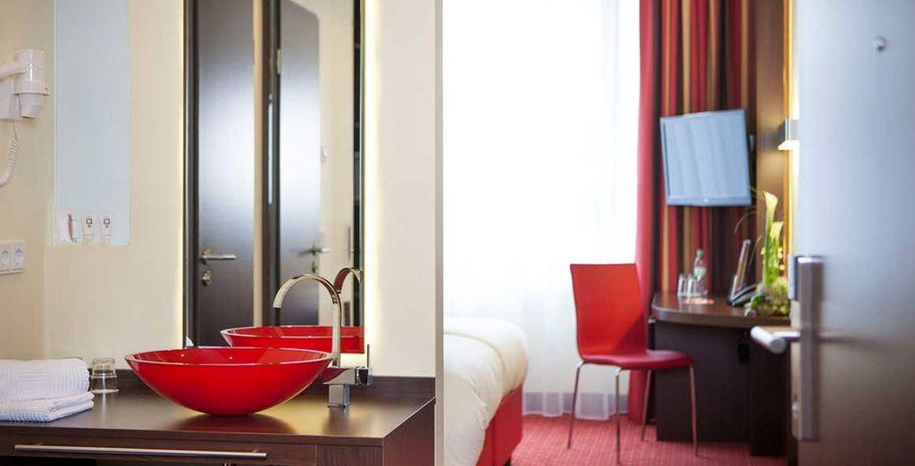 Avec salle de bain design et équipée