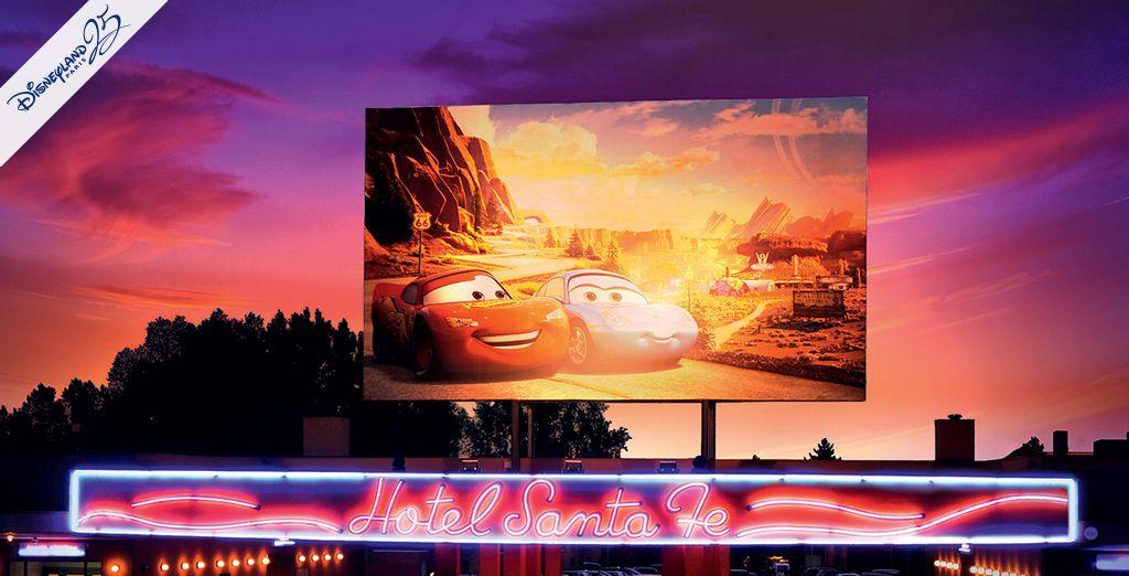 Découvrez toute la magie de Disney® - Disney's Hotel Santa Fe® Disneyland Paris