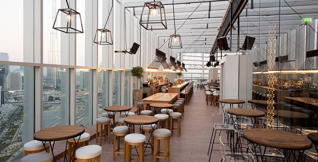 Profitez d'un diner haut de gamme tout en appréciant une vue imprenable