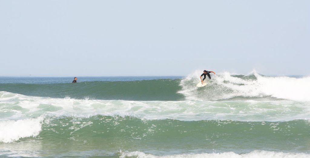 Et de vous essayer au sport incontournable  de la région : le surf