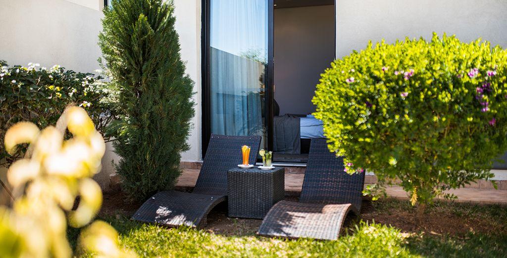 Vous disposerez d'un jardin ou d'une terrasse privée pour de délicieux instants