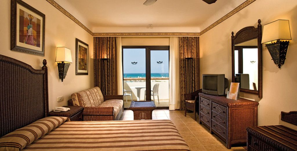 Appréciez le confort et la décoration chaleureuse de votre chambre Standard