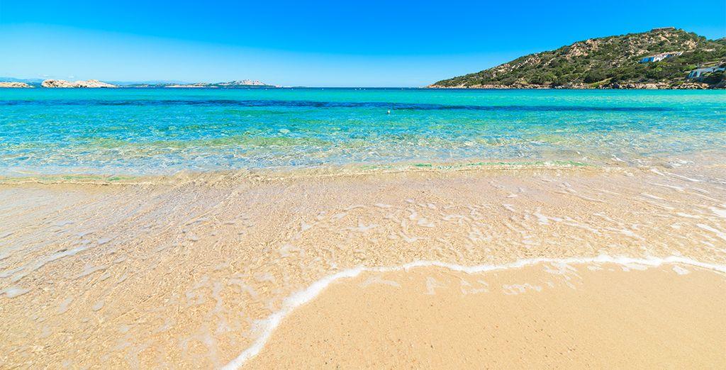 Vous serez idéalement situé à proximité de plages de sable doré et d'eaux turquoise