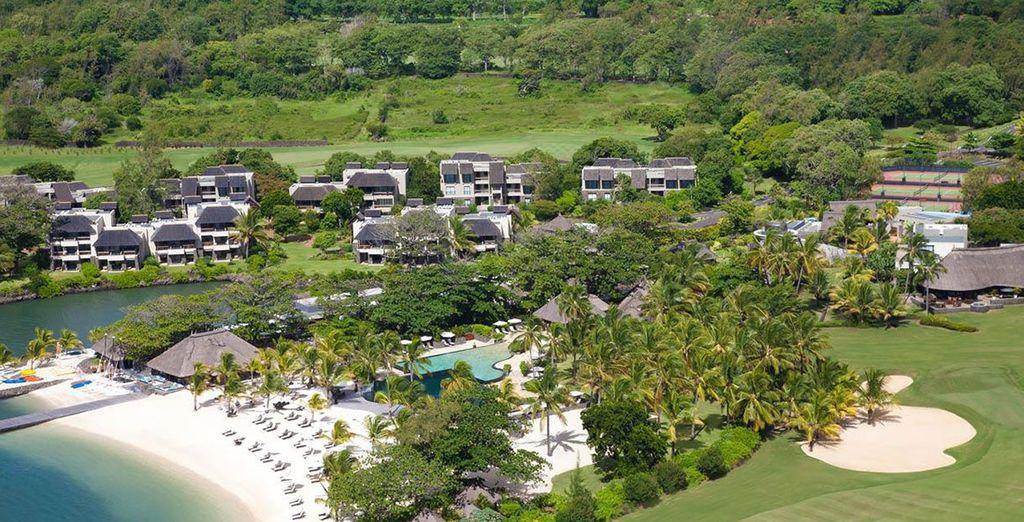 Qui reste l'un des plus beaux hôtels de Maurice, blotti au cœur d'un jardin tropical