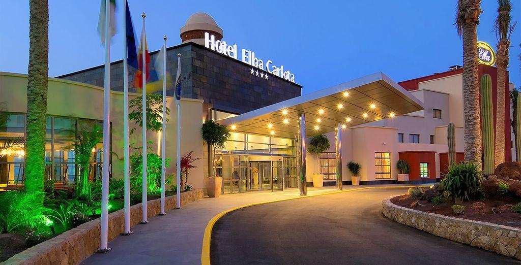 Direction l'hôtel Elba Carlota