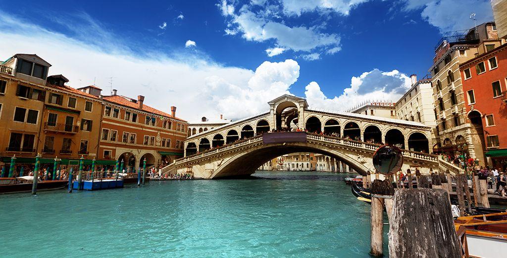 Direction Venise, une ville aussi singulière qu'étonnante - Hôtel Savoia & Jolanda 4* Venise