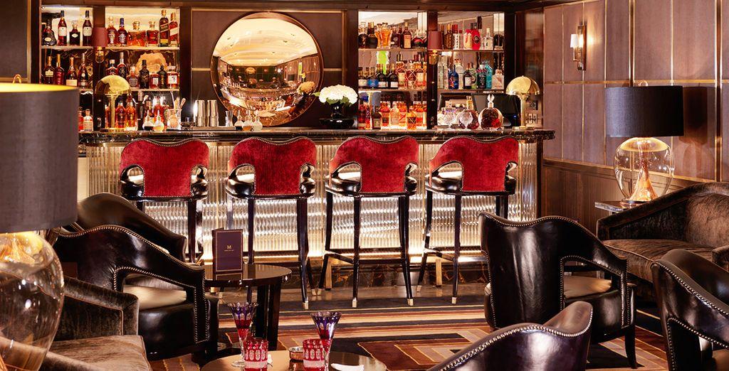 Vous pourrez siroter un délicieux cocktail au bar