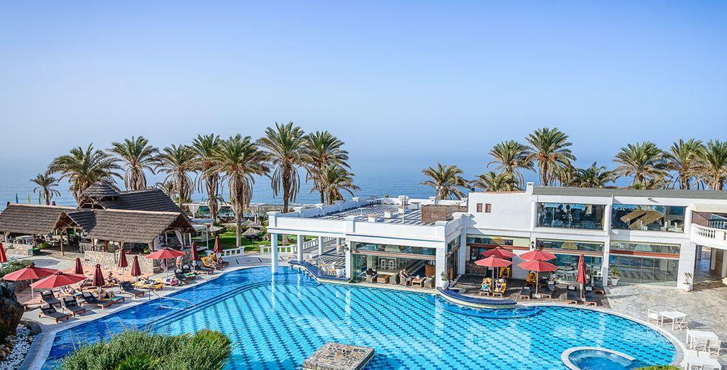 Nous vous emmenons à l'hôtel Radisson Blu Crète