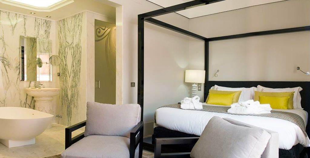 Vous vous prélasserez dans le luxe absolu de votre chambre Deluxe