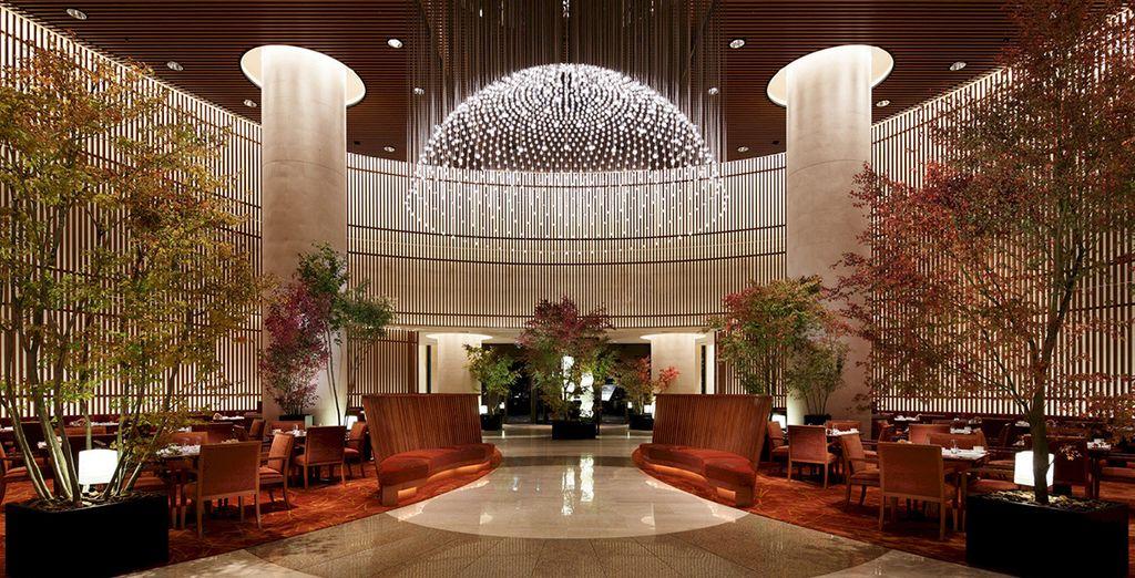 Nous vous installons dans l'un des plus beaux hôtels de la ville