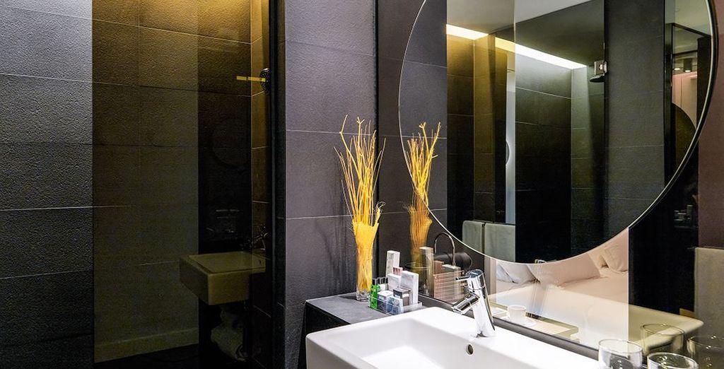 Et profitez d'une salle de bain moderne