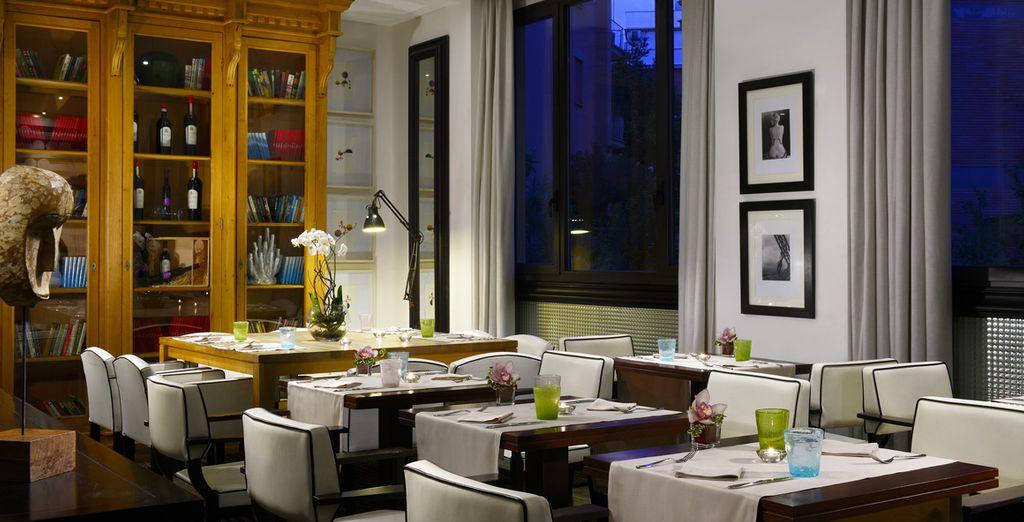 Puis offrez-vous un dîner aux chandelles au restaurant Paparazzi
