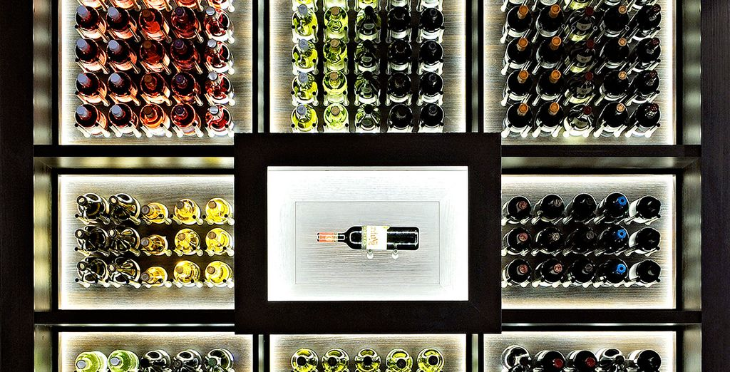 Accompagnée d'une large sélection de vins !