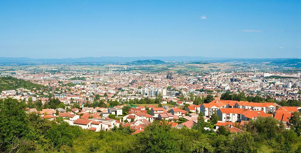 Écartez vous de votre Chalet pour explorer les environs dont les grandes villes comme Clermont Ferrand