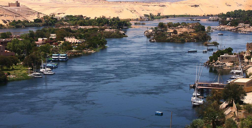 En vous laissant tenter par le Combiné Croisière sur le Nil... Admirez les eaux mythiques...