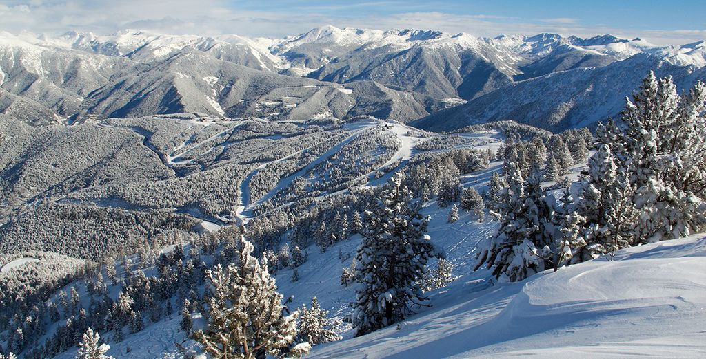 Paysage des Pyrénées en France, lors de vacances au ski