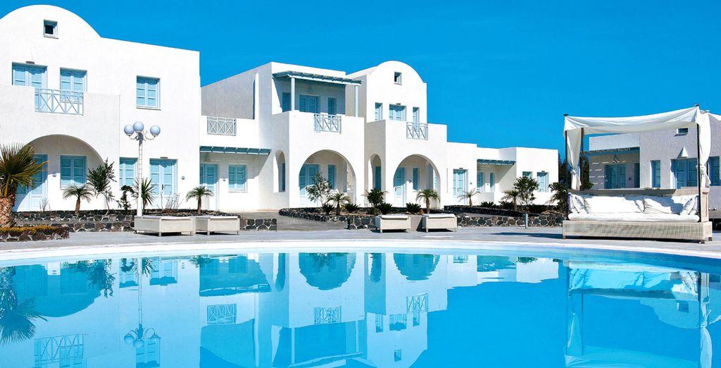 Découvrez votre luxueux écrin à Santorin