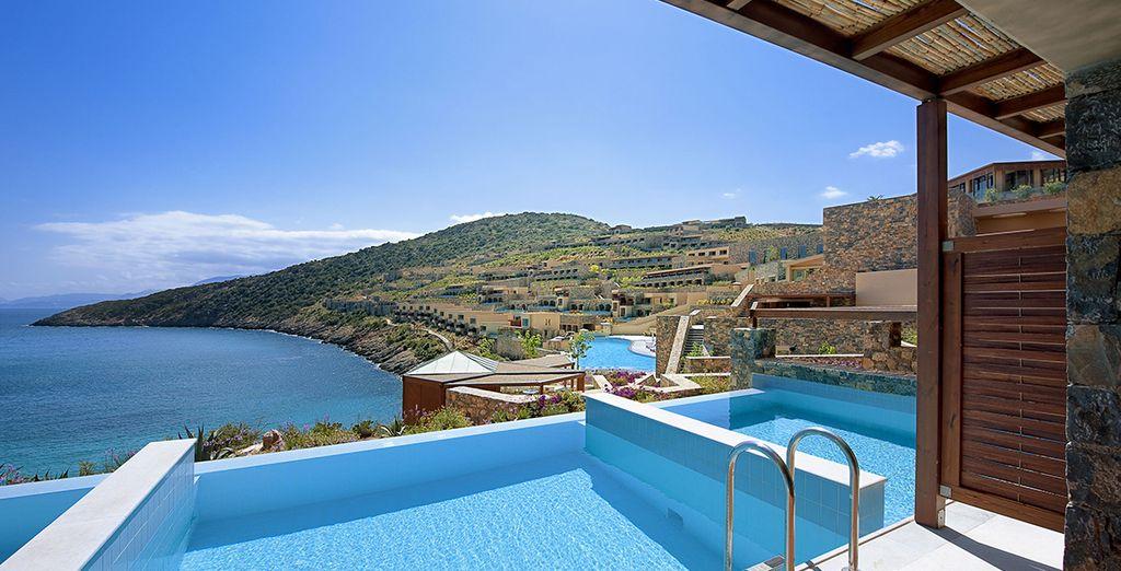 Ou que vous craquiez pour la Deluxe Vue Mer avec piscine privée !
