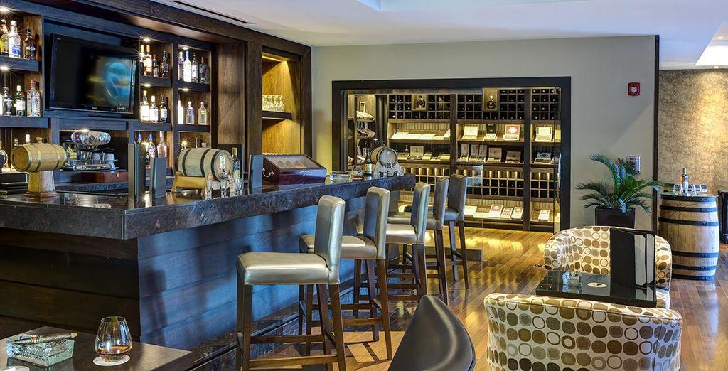 Au sein de bars et restaurants au style sophistiqué