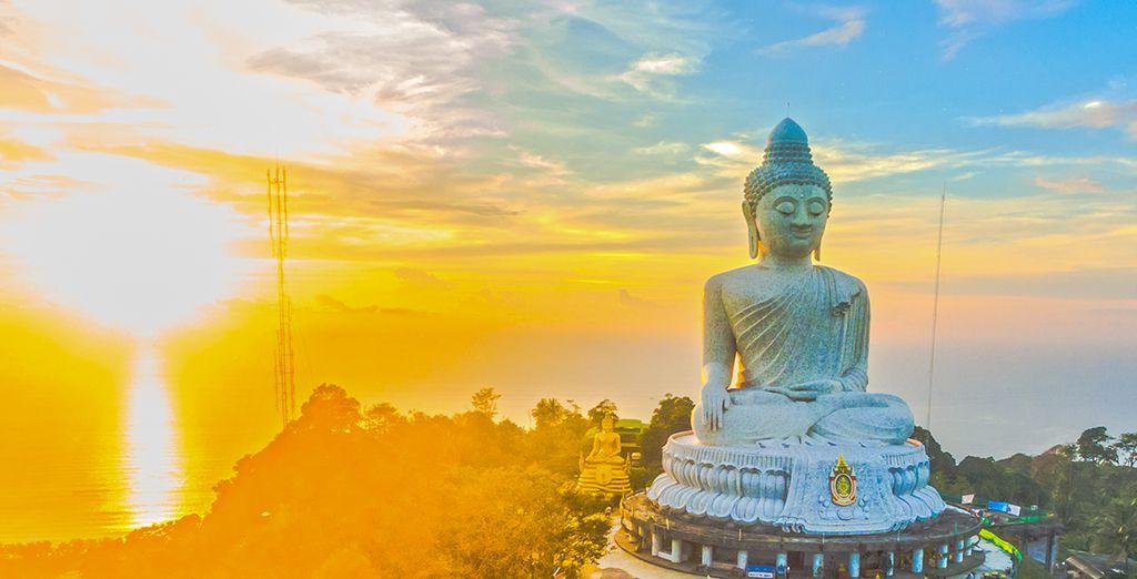 Photographie du Grand Bouddha à Phuket, en Thaïlande