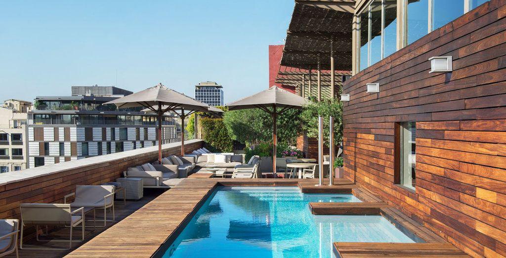 Hôtel Omm 5* de luxe avec piscine et vue panoramique sur la ville de Barcelone en Espagne