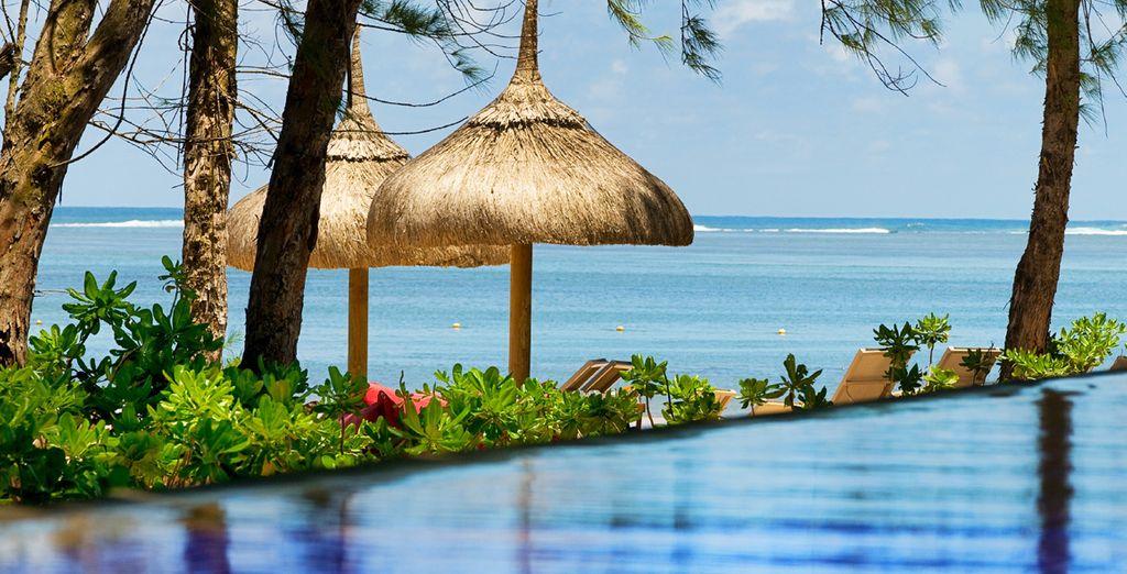 Hôtel haut de gamme avec piscine donnant vue sur l'océan