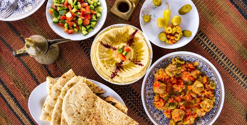 Goûtez les spécialités culinaires de la Jordanie avec les voyages tout inclus Voyage Privé