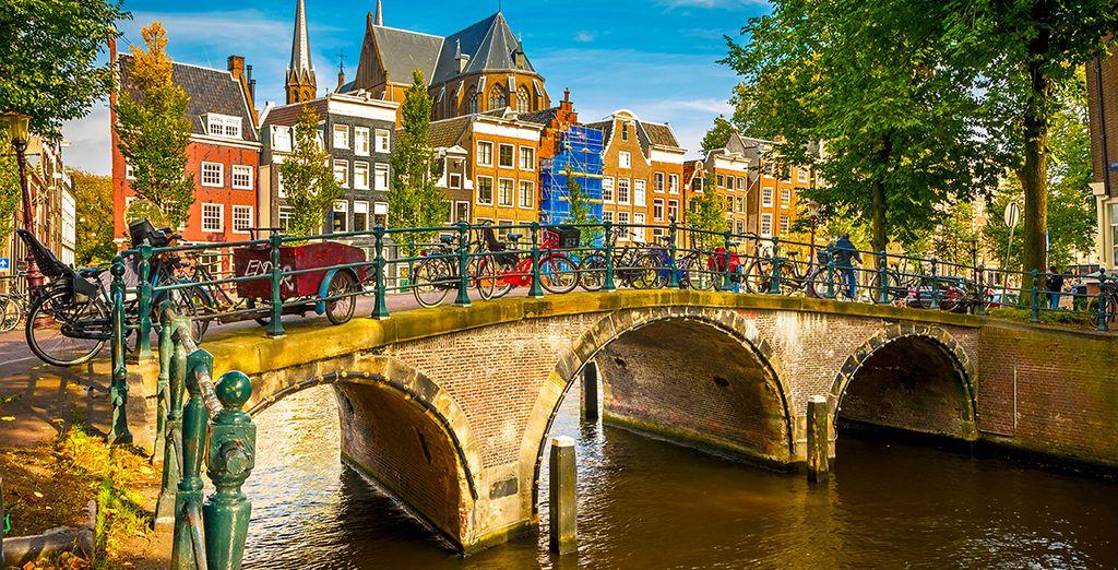 Visitez Amsterdam aux Pays-Bas en vélo