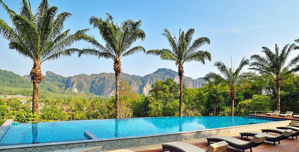 Hôtel de luxe à Bangkok, tout confort avec piscine et espace détente, sélectionné par Voyage Privé