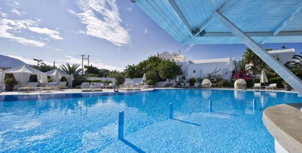 La piscine de l'établissement - Hôtel Imperiale Med Resort & Spa**** Santorini Thira