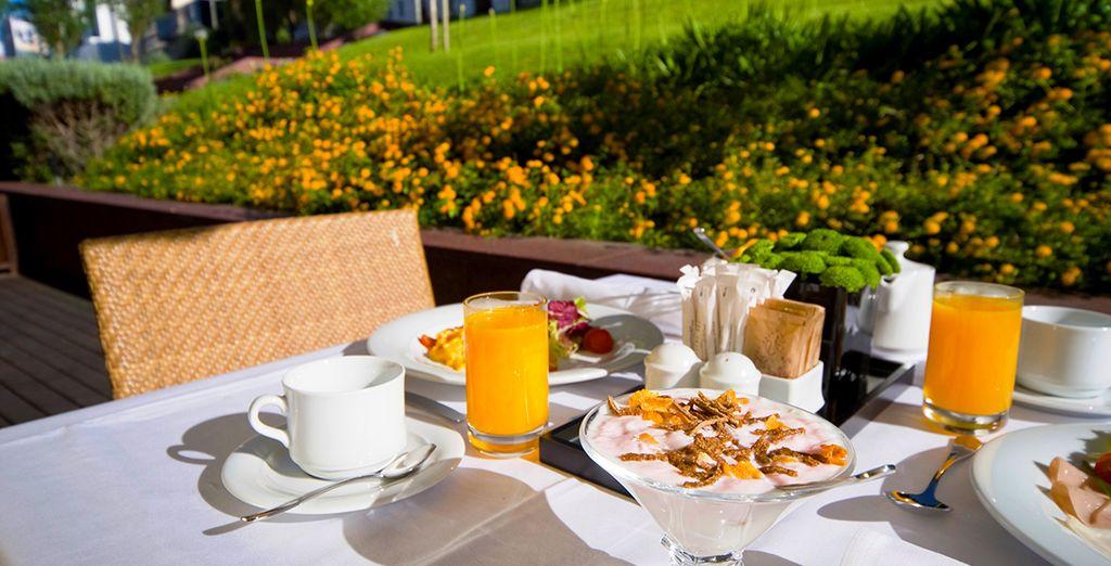 Hôtel haut de gamme avec restaurant et petit déjeuné typique du Portugal, en plein air