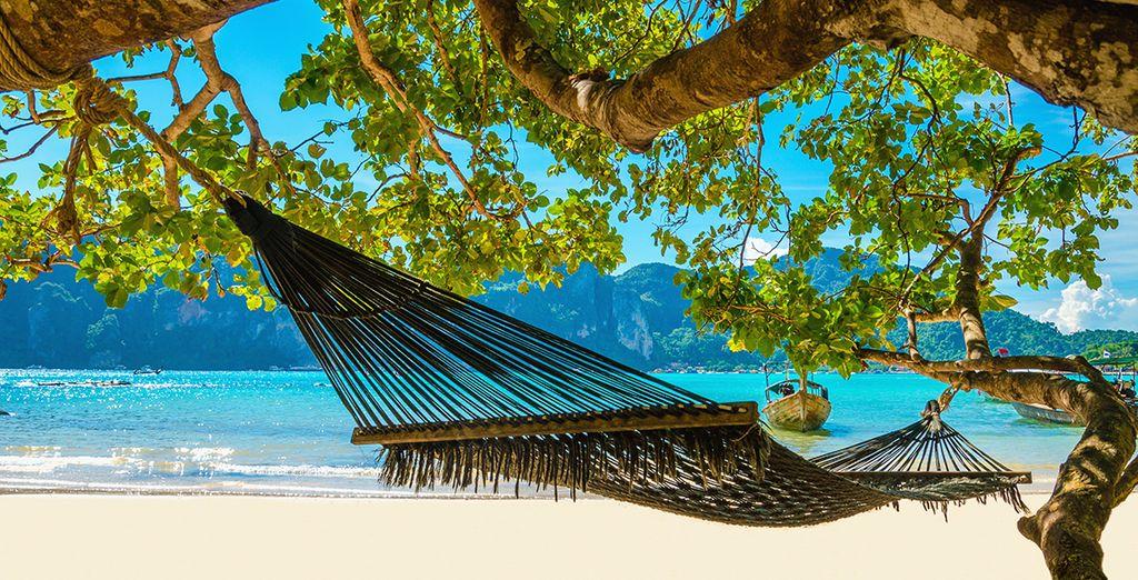 Vous vous y voyez déjà ? - Banthaï Beach Resort & Spa 4* ou combiné avec Amara Bangkok 4* Phuket