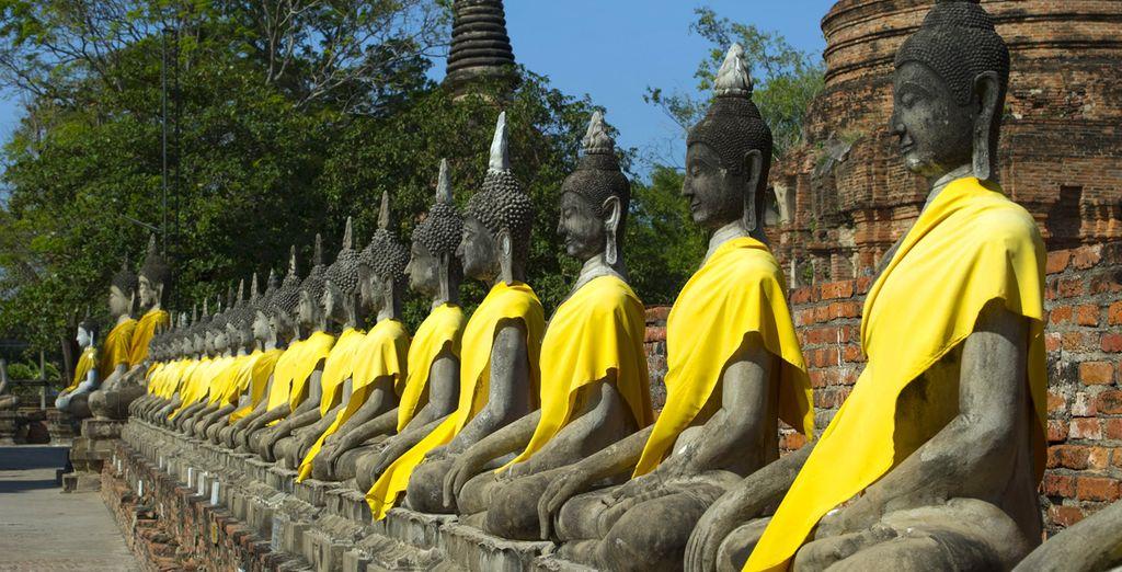 Puis vous partirez pour Ayuthaya, ancienne capitale du Royaume du Siam