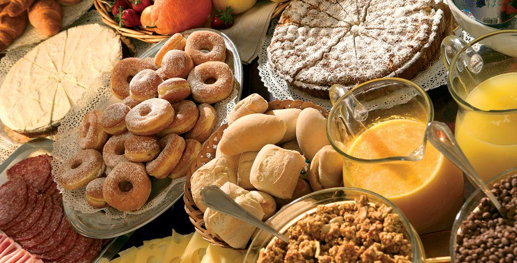 et commencez bien la journée, lors d'un petit-déjeuner complet et vitaminé.