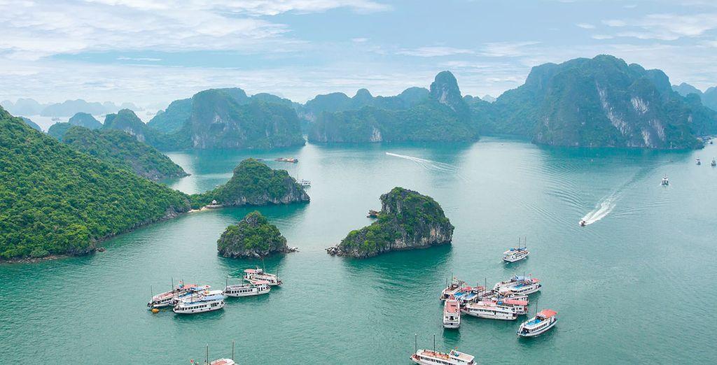 Et laissez-vous enchanter par la sensationnelle baie d'Halong