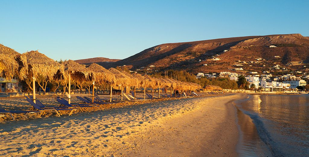 En foulant les plages d'Aliki