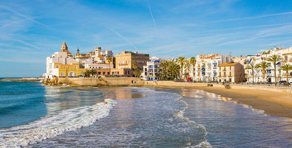 Partez à la découverte de Sitges, de ses plages...