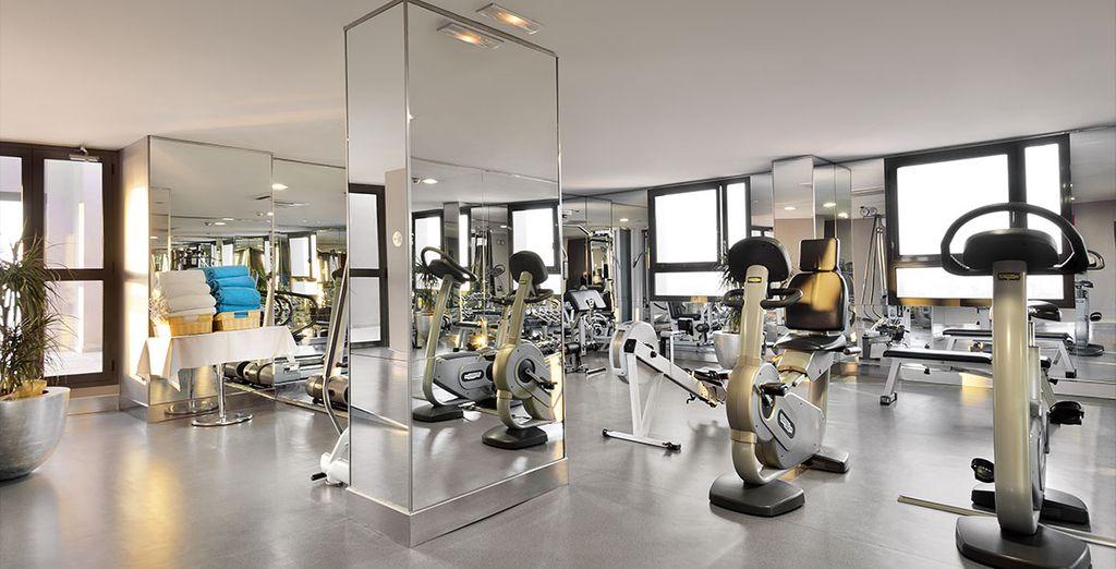 Mais aussi à travers les nombreuses installations de l'hôtel comme la salle de sport