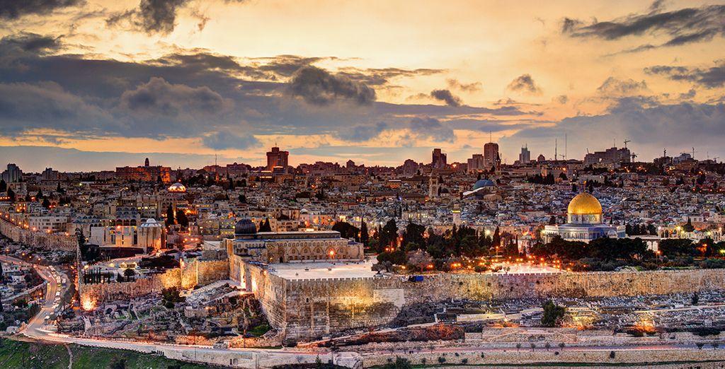 Avant de partir découvrir les trésors du pays, tels Jérusalem