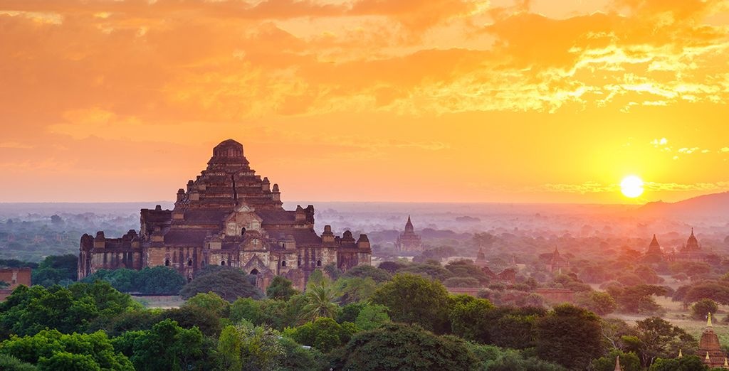 Sur la terre sacrée de Birmanie... - The Mandalay Pagan Packet Mandalay