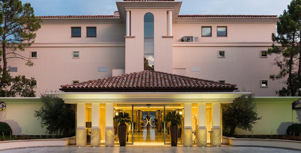 L'hôtel Don César 5* vous ouvre ses portes