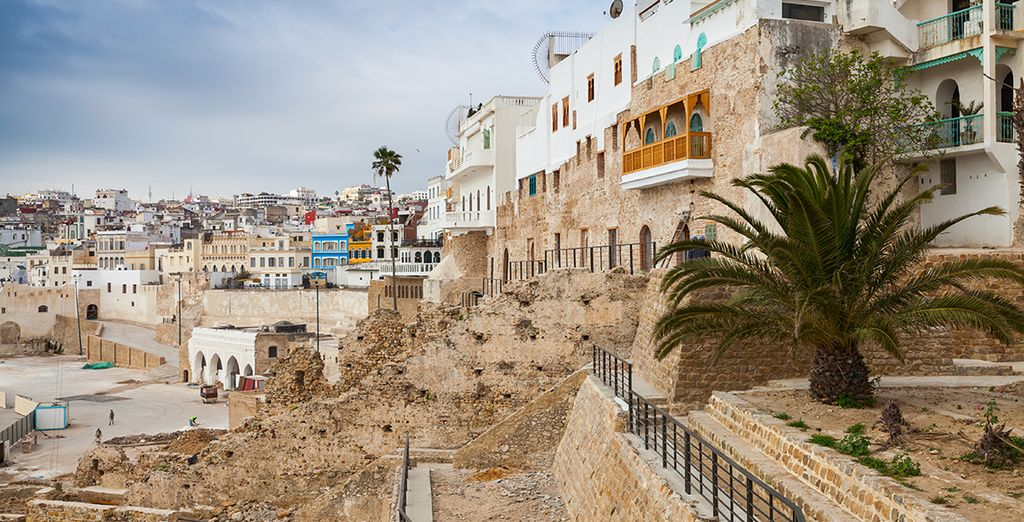 Vous poursuivrez le circuit à Tanger, à l'extrême nord de l'Afrique